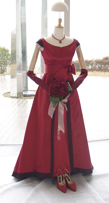 深紅のルージュドレス